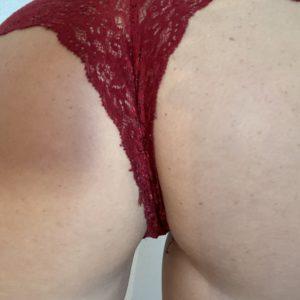 Sexy roter Spitzen Slip